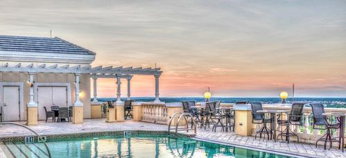 roof-top-pool-3715118_1280.jpgのサムネイル画像